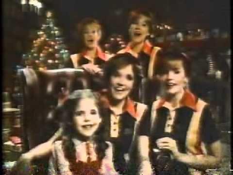 1980's  Burger King Christmas Commercial - Lea Thompson, Elisabeth Shue & Sarah Michelle Gellar
