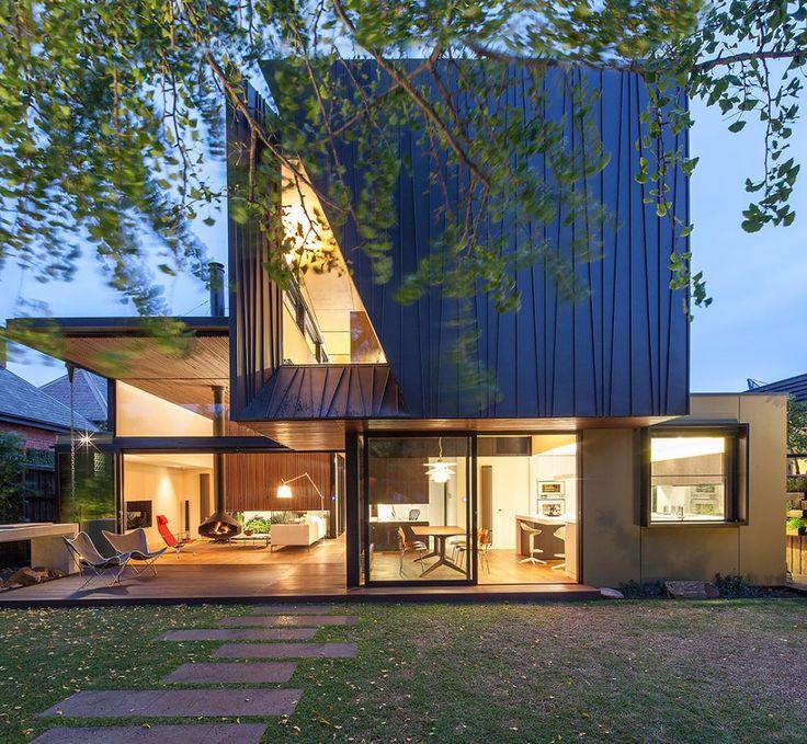 Myamyn Street Residence, Melbourne (Australia) by Nicholas Murray Architects #facade #architecture #AnthraZincPlus #zinc #VMZINC #Australia #PrivateHouse
