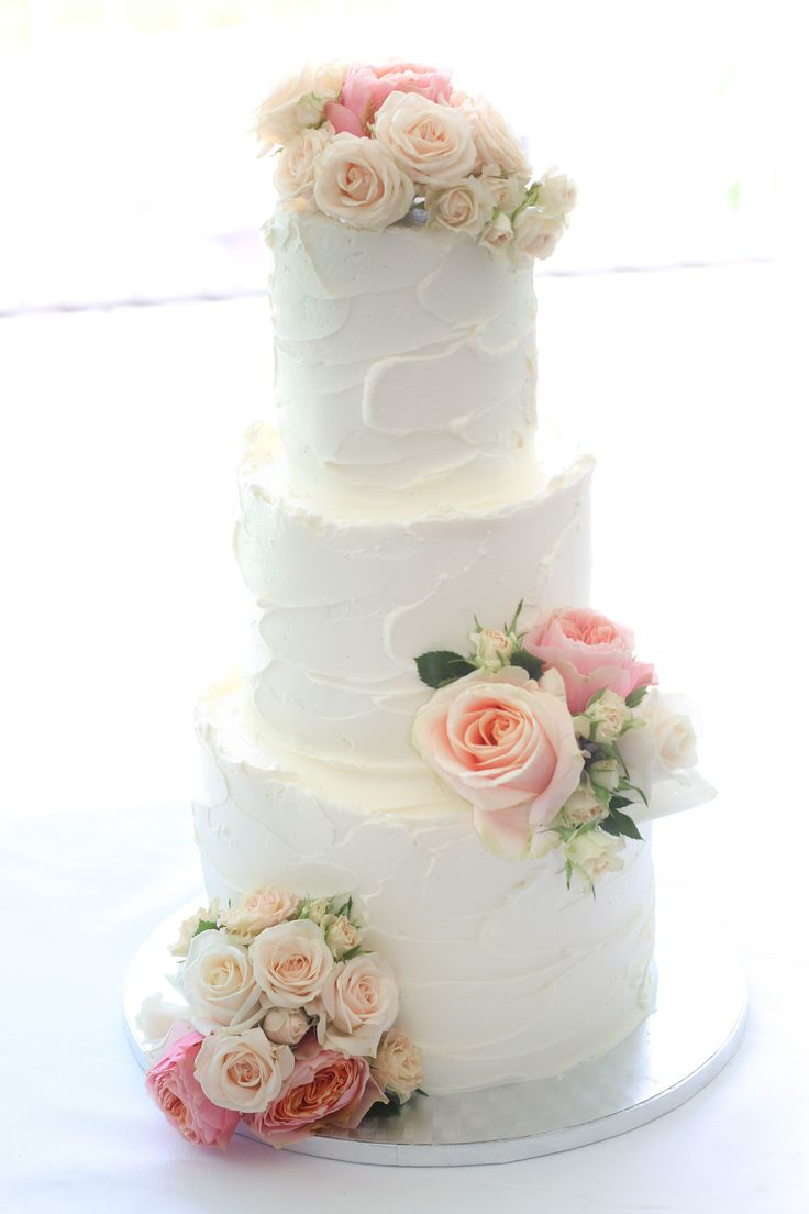 Fresh Flowers On Cake Images
