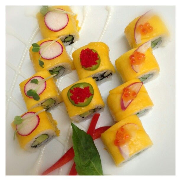 Mango sushi rolls | Recipes to Cook | Pinterest