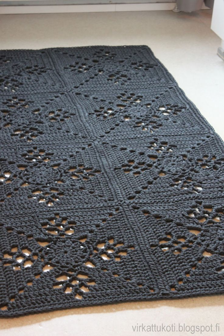 Viktoriaaninen neliö, viktoriaaninen neliö matto, viktoriaaninen matto, Victorian Lattice Square rug, Victorian Lattice Square, virkattu matto, virkattukoti