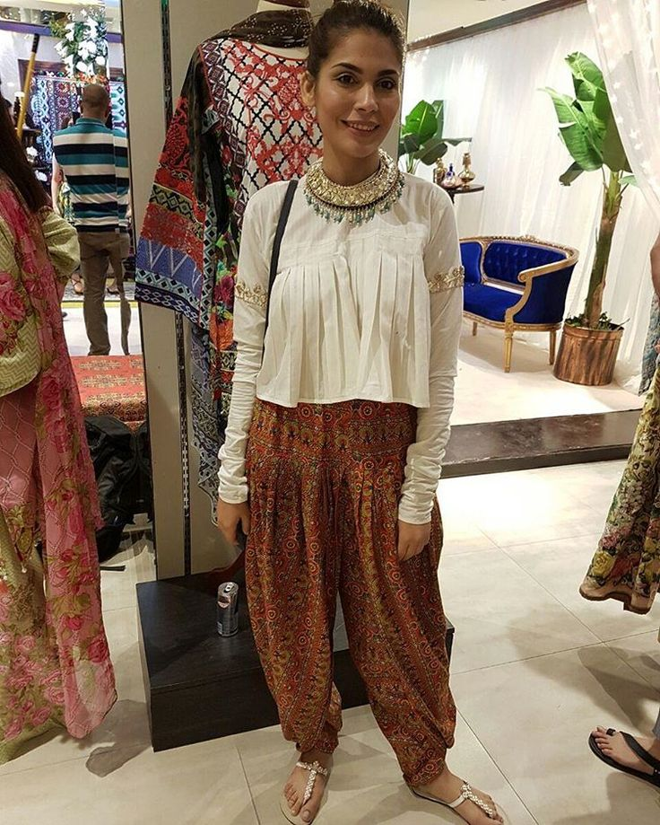 #AmnaBaber Launch of Ali Xeeshan 's Eid Pret Collection
