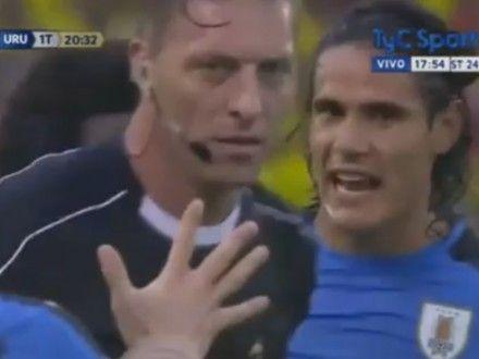 Perú vs. Uruguay: Edinson Cavani se podría perder el partido por insultar al árbitro en duelo ante Colombia. Noviembre 07, 2016.