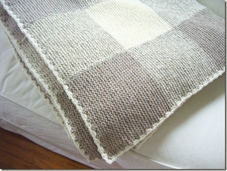 Gingham knitted blanket....so pretty