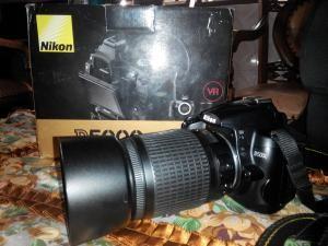 Dijual kamera DSLR Nikon D5000 bekas harga 3,5 jt, lensa long 55-200mm.