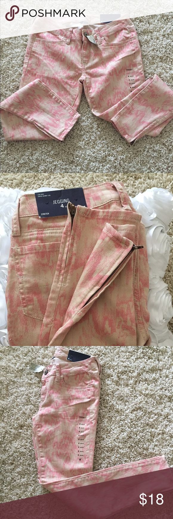 Nwt AMERICAN EAGLE PINK JEGGINGS SKINNY New with tag American Eagle jeggings color pink,denim stretchy,zipper boots, leggings jeans  size 4 American Eagle Outfitters Jeans Skinny