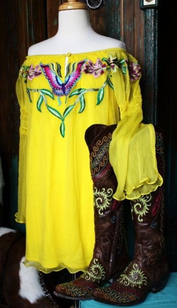 Vintage Collection/VINTAGE Collection 2012 Yellow Embroidered Tunic! with a pair of MissMe Jeans <3