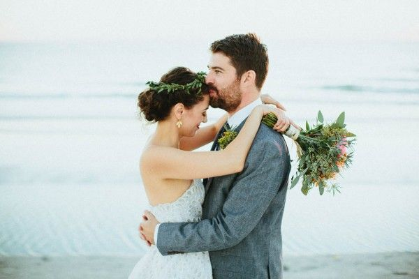 Casual and Chic St. Pete Wedding at Postcard Inn | Jonathan Connolly Photography