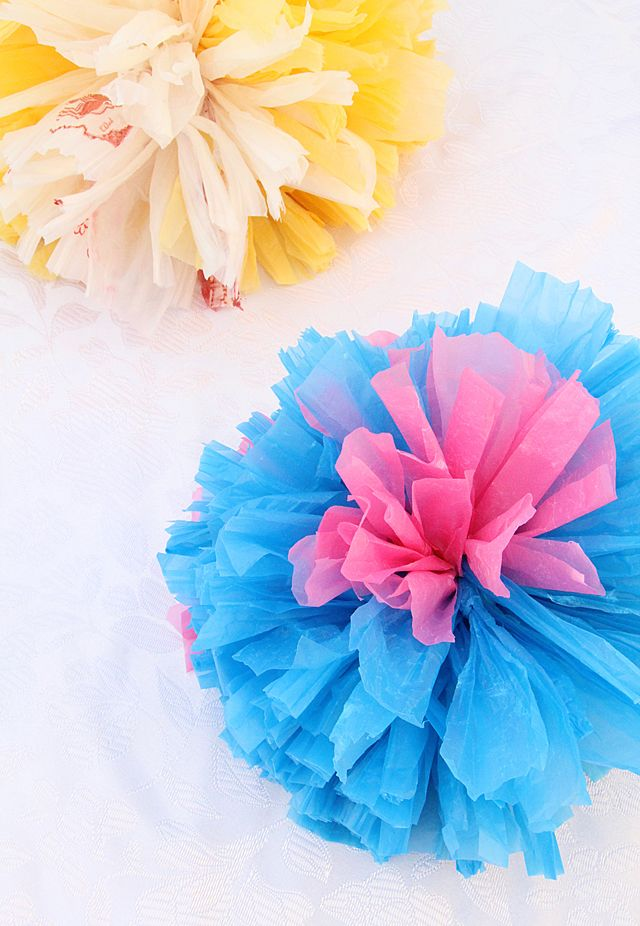 Stunning gift topper pom poms from plastic grocery bags ...