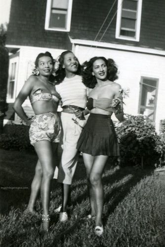1940s-love their summer outfits
