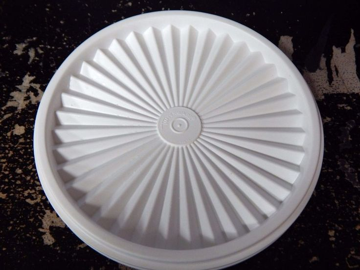 """Replacement lid for sugar container. Number on lid is 808-12 and nessus 6.75  Maybe cheaper ones out there! 808 WHITE Round Servalier Canister TUPPERWARE REPLACEMENT LID 6 5/8""""   Collectibles, Kitchen & Home, Kitchenware   eBay!"""