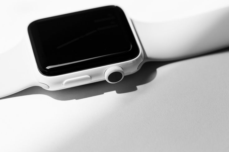 Apple Upgrades Its Apple Watch Series 2 with White Ceramic smartwatches zirconia