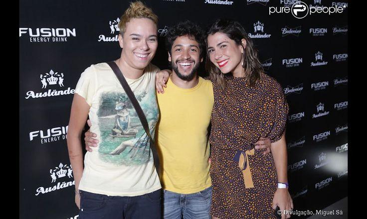 Maria Gadú e Lua Leça estiveram juntas na festa da Ausländer, em novembro de 2012. Com as duas, o ator e cantor Leandro Léo, grande amigo da cantora