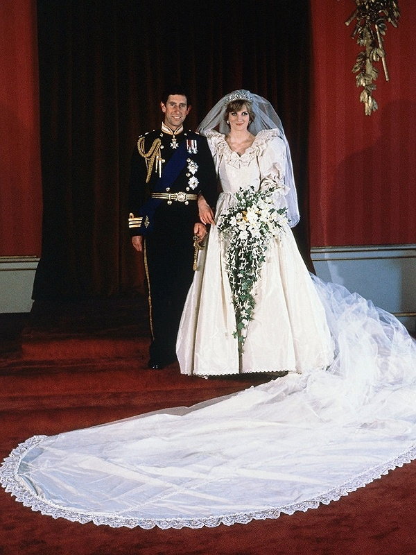Diana's Wedding Dress Replica Sold At Auction Princess