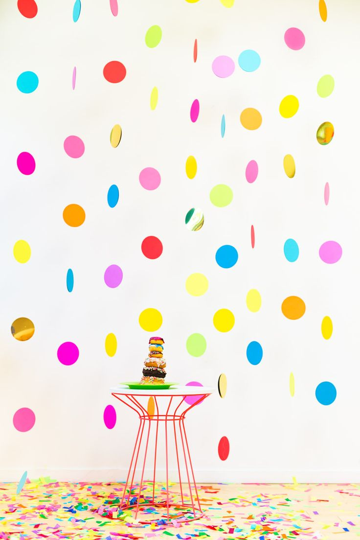 d.i.y. bold and unique metallic polka dot garland backdrop.