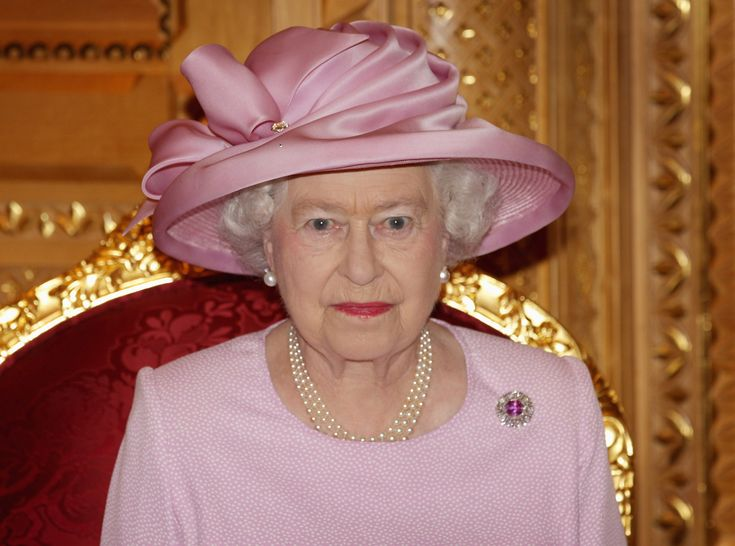 Queen Elizabeth II And Prince Philip Visit Visit Oman – Day 1