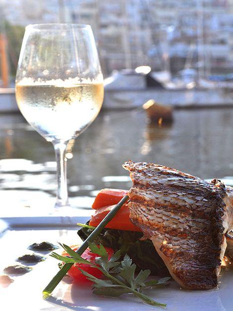 Μάθε με να ψήνω ψάρι στα κάρβουνα - Learn to bake grilled fish | Smile Greek