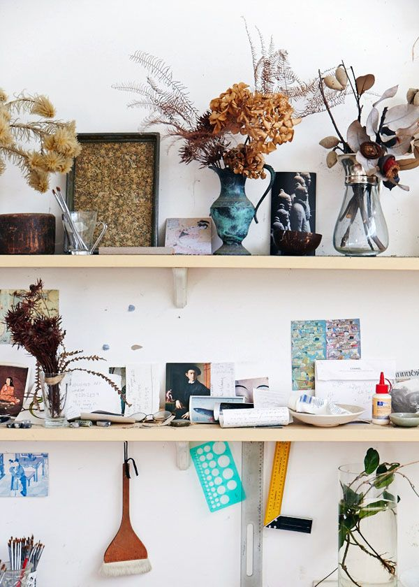 Details in the Sydney studio of artist Cressida Campbell. Photos- Sean Fennessy. Production- Lucy Feagins for thedesignfiles.net