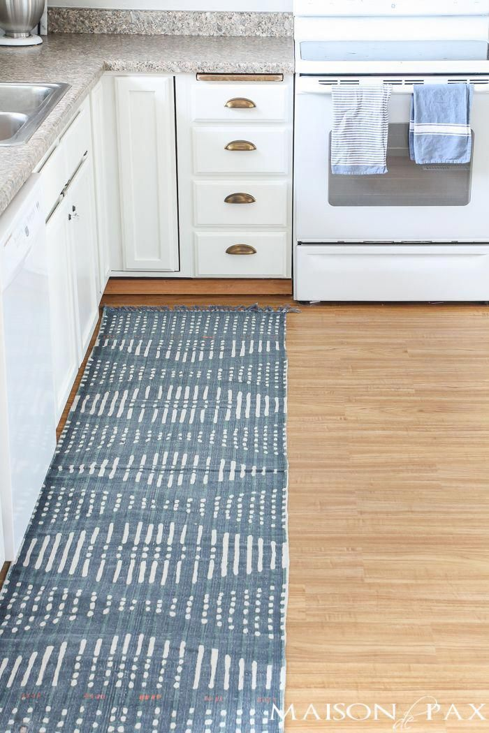 Looking For A Great Diy Budget Alternative To Carpet Try Vinyl Flooring An Affordable Option High Traffic Areas This Tutorial Will Walk You