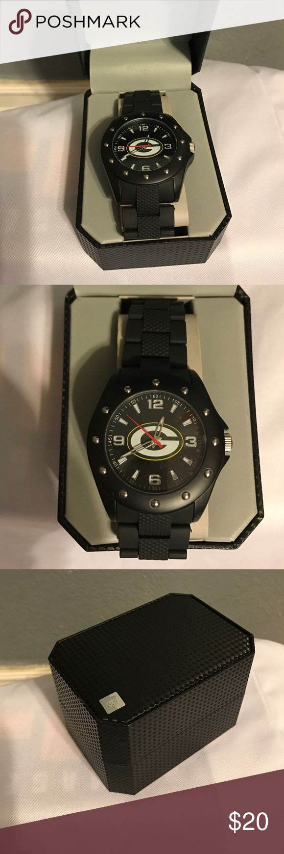Green Bay Packers game time watch Never been worn. New in box. Accessories Watches