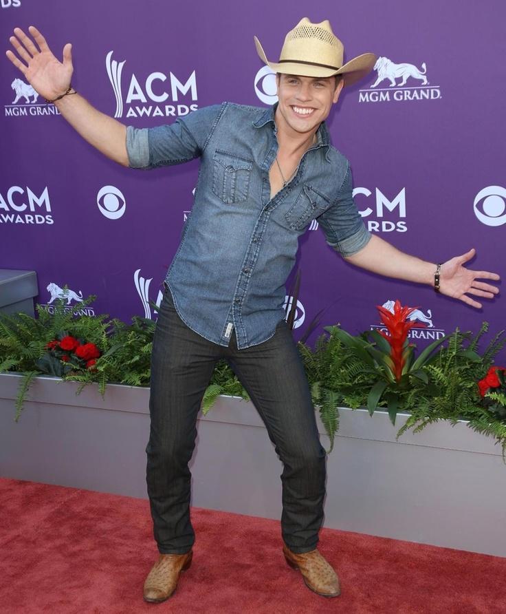 Dustin Lynch gets goofy at the 2013 ACM Awards