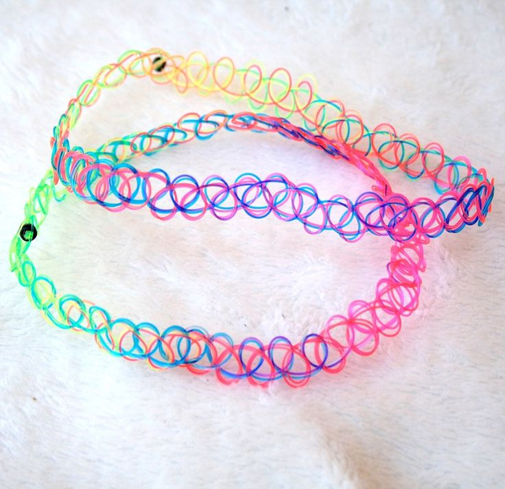 Who doesn't love rainbows?  Such a sweet and colorful accessory for your next rave or music festival!  Or just to rock everyday!  * Placement of colours varies from product to product