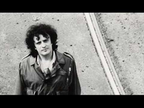 Ivano Fossati - La mia banda suona il rock - http://music.tronnixx.com/uncategorized/ivano-fossati-la-mia-banda-suona-il-rock/ - On Amazon: http://www.amazon.com/dp/B015MQEF2K