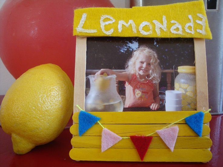 Lemonade Stand craft stick frames