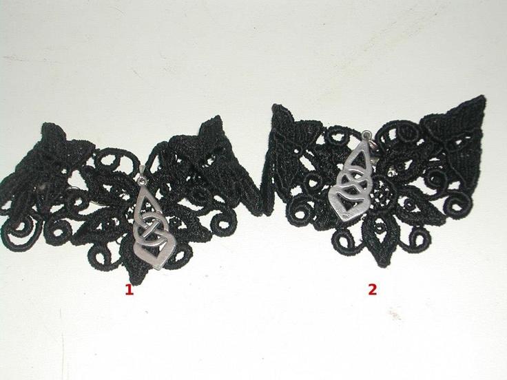 2 bracciali in pizzo macramè con nodo celtico e catena regolabile( materiali anallergici privi di nichel) €12 l'uno
