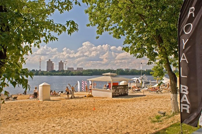 Meteoroloji merkezi Phobos, Moskova'daki plaj sezonunun gecikse de yine de geleceğini bildirdi.