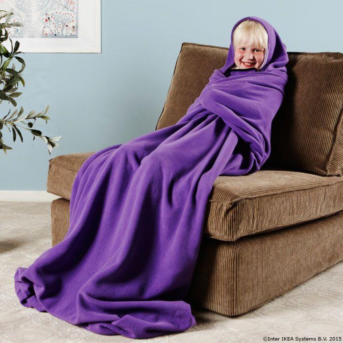 Până vine primăvara te poți cuibări într-o pătură moale, care are și glugă. http://www.IKEA.com/ro/ro/catalog/products/30222759/