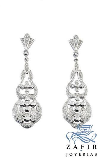 Pendientes de plata tipo isabelinos, terminados en plata rodiada con circonitas de calidad.  www.joyeriaszafir.es