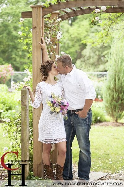 Adorable short dress for a casual rustic/country wedding.                                                                                                                                                      More