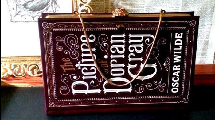 10 Tas Keren dan Lucu Berbentuk Book Ini, Bikin Kamu Kayak Kutu Buku Hipster!