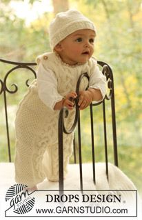 """Knitted DROPS jumpsuit with or without button fastening between the legs and hat in """"Merino Extra Fine"""". ~ DROPS Design"""