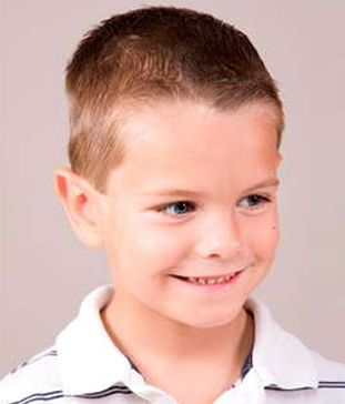 Frisuren für kleine Jungs: Ideen von den coolen Kinderhaarschnitten