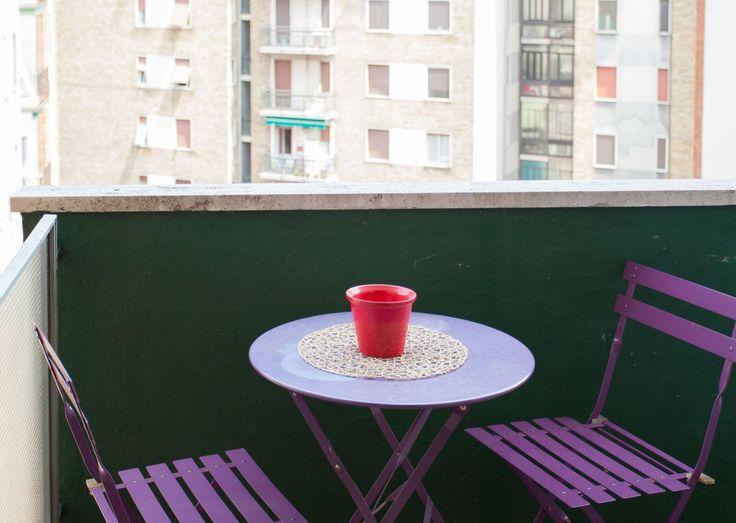 L'appartamento si trova al 5 ° piano dell'edificio molto vicino alla stazione della metropolitana Bande Nere (linea rossa - Duomo) E 'composto da 1 camera da letto che è stato recentemente ristrutturato e una zona cucina semi-indipendente.