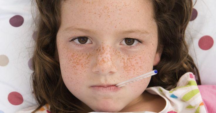 Herpes-vírus versus herpangina. As infecções virais da pele causam apenas uma leve erupção com prurido em bolhas ou úlceras dolorosas. Os vírus da herpes simples provocam úlceras cutâneas em torno da boca e da área genital. A herpangina é uma infecção pelo vírus coxsackie do grupo A. Essas infecções virais não são curáveis e podem ser mortais aos indivíduos com sistemas ...