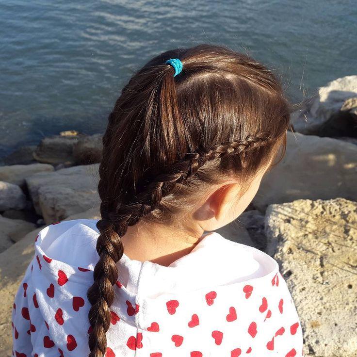 Две голландские косы впадают в простую. // Two dutch braids into one simple braid. https://www.youtube.com/watch?v=II7wdGqPrMg