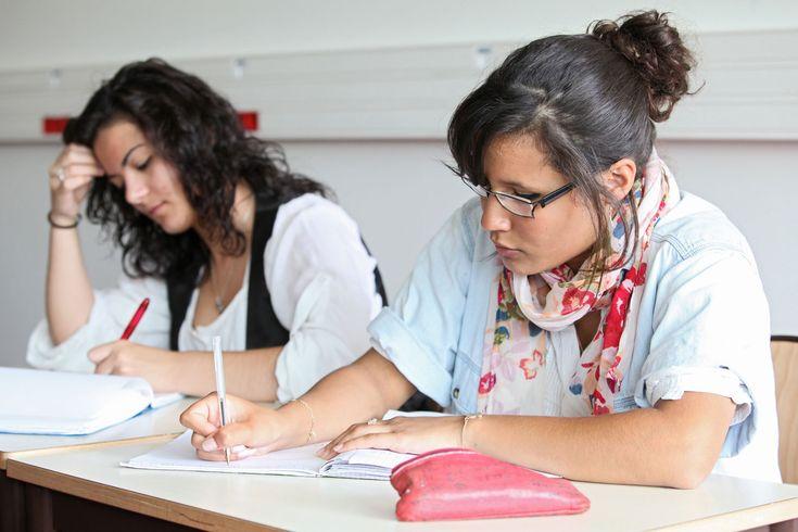 Prep'Exam - Eduscol La base de données des examens propose l'accès en ligne à des sujets des baccalauréats général, technologique et professionnel.
