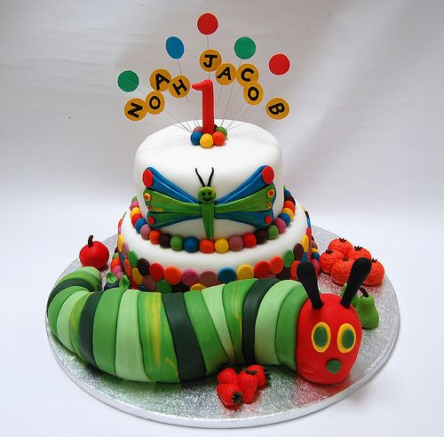 I remember this caterpillar from when my daughter was little! What a fantastic cake for a preschooler!