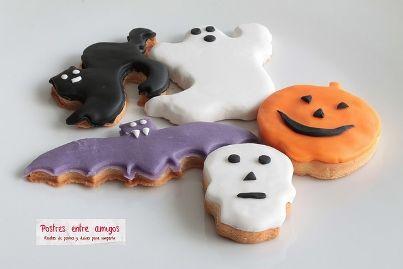En esta ocasión para celebrar Halloween hemos realizado unas galletas de mantequilla con fondant de diferentes formas. Son muy fáciles de hacer, aunque requiere su tiempo. http://postresentreamigos.com/galletas-de-fondant-para-halloween/