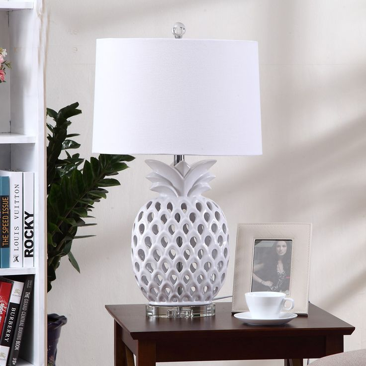 Luxary Classic European Bedroom Table Lamp Foyer Hollow Ceramic Table Light Tall Table Lamp Bedside Hotel Table Light