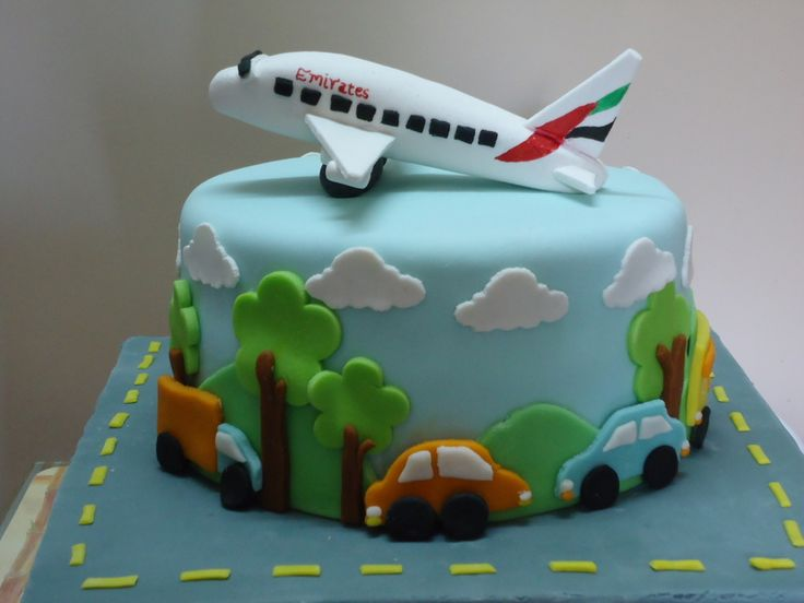 17 best ideas about airplane cakes on pinterest airplane for Airplane cake decoration