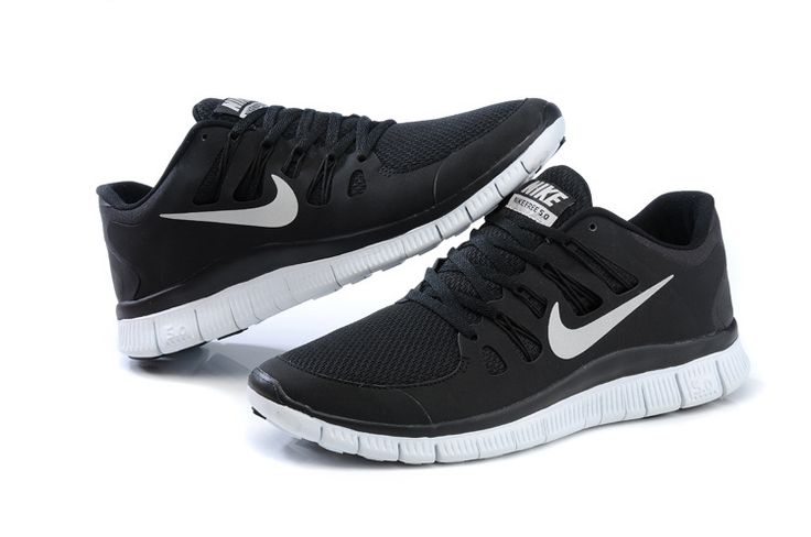 Nike free run 5.0 + black // Want these