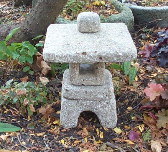 Japanese Tea Garden Lantern Stone in Hypertufa. Limestone Color. Concrete Sculpture