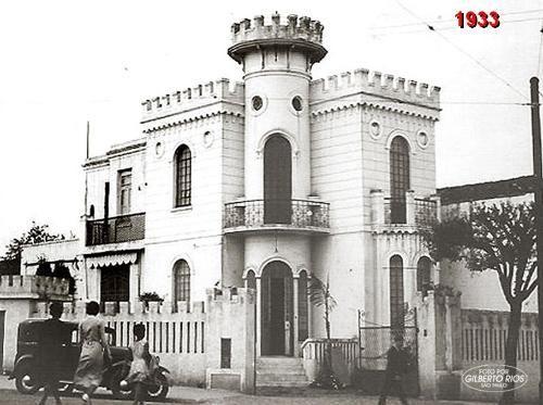 1933 - O castelinho da rua Apa, esquina com avenida São João no bairro de Santa Cecília.