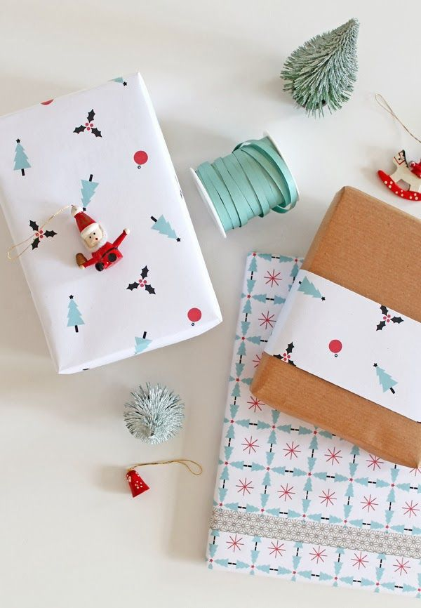 Printable wrapping paper!  And I love the idea of mini santa decorations adorning my presents! #mollietakeover
