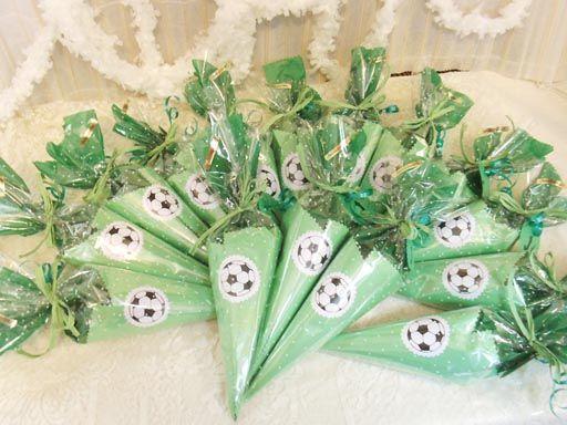 todoenchuches: Conos de chuches, de fútbol, personalizados