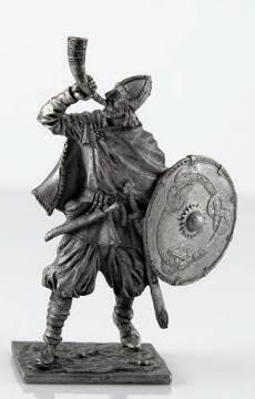 Викинг с рогом, 9-10 век   Оловянная история